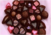 الشوكولاتة تساعد في نمو الجنين وتبعد تسمم الحمل