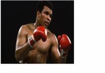 وفاة أسطورة الملاكمة محمد علي كلاي.. «طار كالفراشة ولدغ كالنحلة»