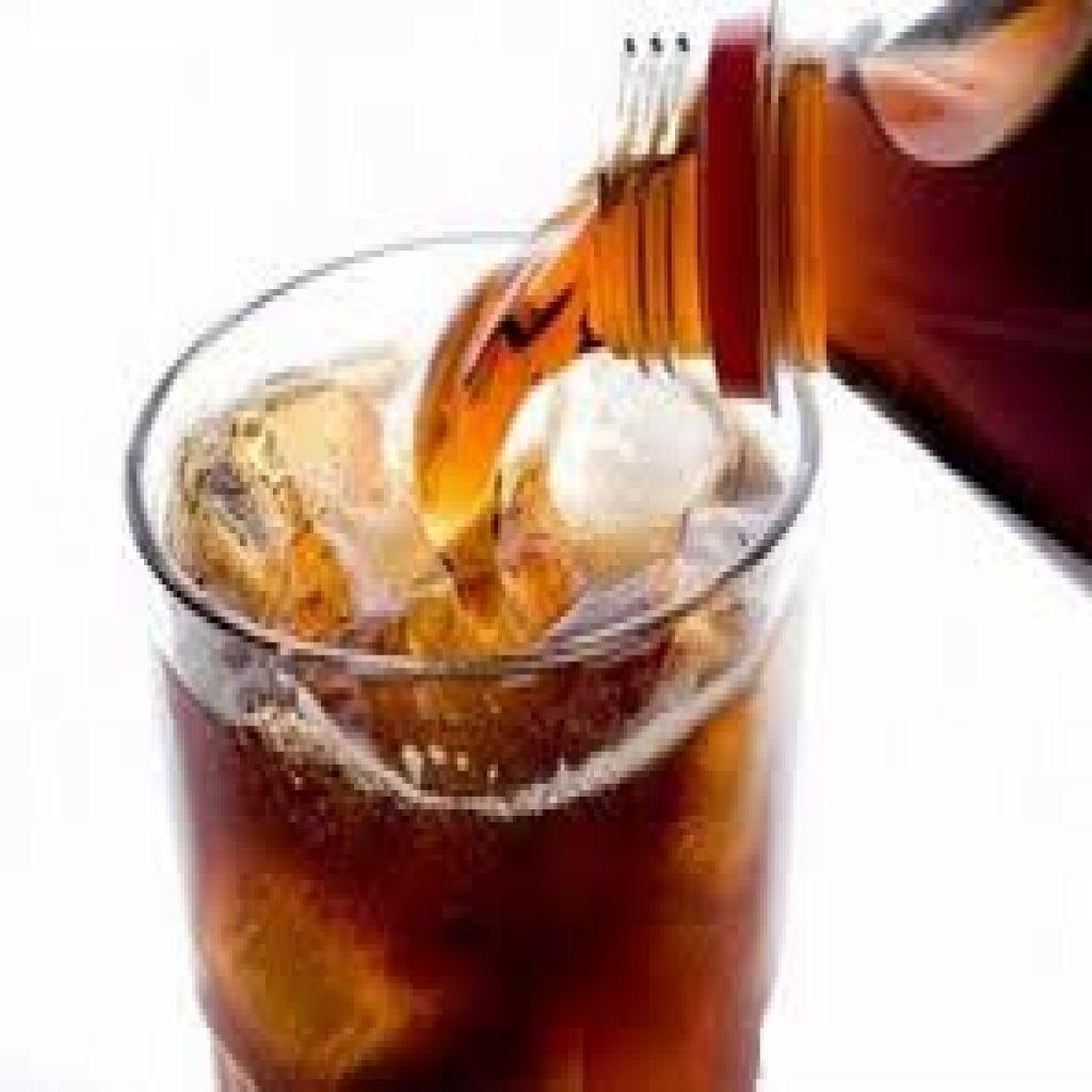 أستبدل المشروبات الغازية بالماء لحماية نفسك من السكري