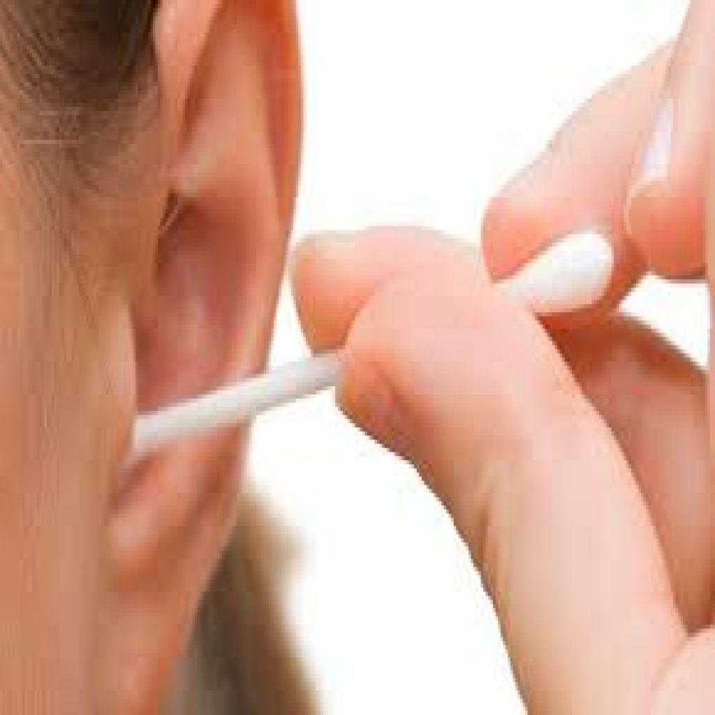 شمع الأذن قد يكشف الإصابة بمرض شائع