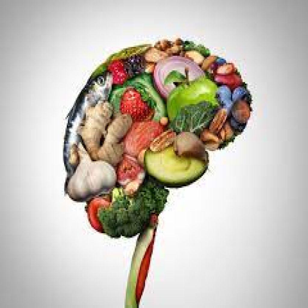 أطعمة مغذية للمخ.. لسلامة عقلك ومزاجك